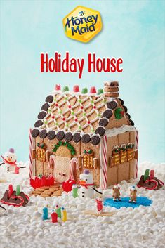 In this DIY tutorial, we will show you how to make Christmas decorations for your home. The video consists of 23 Christmas craft ideas. Christmas Gingerbread House, Christmas Snacks, Christmas Activities, Christmas Crafts For Kids, Christmas Goodies, Christmas Candy, Christmas Projects, Holiday Crafts, Holiday Fun