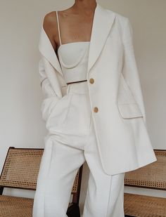 style inspiration + vacation look + fashion + outfit + summer naturals + beige aesthetic + neutral colour palette + beauty + mood board Vintage Outfits, Classy Outfits, Trendy Outfits, White Outfits For Women, Chic Outfits, All White Outfit, Grunge Outfits, Suits For Women, Mode Outfits