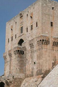 A tour of the Citadel of Aleppo - Syria