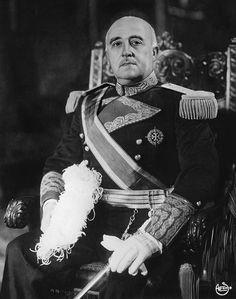 39º Capitán General de la Armada Española. Francisco Franco Bahamonde 1938