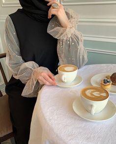 Modest Fashion Hijab, Casual Hijab Outfit, Hijab Chic, Hijab Dress, Abaya Fashion, Muslim Fashion, Fashion Outfits, Hijabi Girl, Girl Hijab
