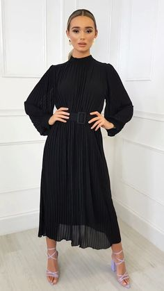 AINSLIE dress features maxi length, long sleeves, all over pleated material and belted finish. Guranteed to make a statement, pair with chunky block heels and hoop earrings. Hijab Evening Dress, Hijab Dress Party, Muslim Fashion, Hijab Fashion, Fashion Dresses, Beautiful Casual Dresses, Elegant Outfit, Event Dresses, Modest Dresses