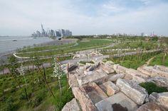 Rediseño de Governors Island: Rocas del antiguo malecón sirven para facilitar el acceso a la cumbre de Outlook Hills