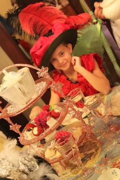 Gorgeous tea hat --> gorgeous centerpiece too!