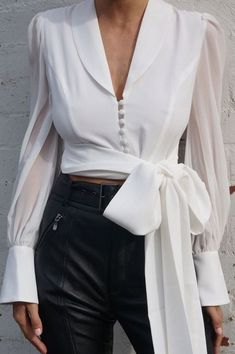 Leonie Lace Up Bow Top- White - moda Trend Fashion, Look Fashion, Womens Fashion, Fashion Ideas, Fashion Inspiration, Spring Fashion, Fashion Tips, Summer Work Outfits, Trendy Outfits