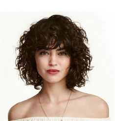 Hairstyles with bangs Charming Curly Hairstyles - Fashions Nowadays Charmante lockige Frisuren Curly Hair Styles, Curly Hair Braids, Curly Hair With Bangs, Medium Hair Styles, Hair Medium, Curly Bob With Fringe, Medium Curly Bob, Medium Curls, Medium Brown
