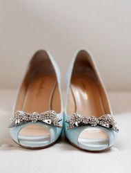 Traditional Elegance - Weddings on Style Me Pretty...so pretty I had to pin them.