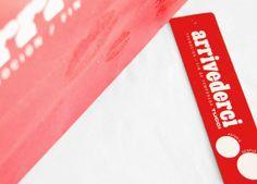 Bolsa y hang tag para liquidación de temporada de Tucci, bajo concepto Arrivederci. Realizado en Estudio FBDI. Detalle