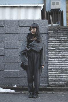 Area: Harajuku, Tokyo | 原宿, 東京 Name: ドバシ | Dobashi Coat,Jacket: Thanx | いそっちさん thx Trousers: OTOE | オトエ Shoes: tricot COMME des GARÇONS | トリコ コム デ ギャルソン Bag: macromauro | マクロマウロ Hair Salon: Dot + Lim (Sakairi) | ドット + リム (坂入さん) Favorite shops: Freiheit, OTOE, Aquvii | フライハイト, オトエ, アクビ Tokyo street Fashion Snap Date: 19 Feb 2014 [Street Style] ドバシ | Harajuku (Tokyo)