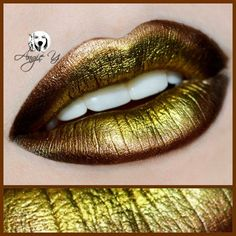 Pure Gold by the creative angiey_artstyle using Makeup Geek's Liquid Gold pigment to illuminate her lips!