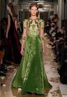 Resultado de imagen para valentino dress green 2016