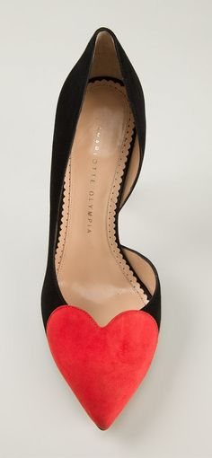 Heart Vamp Pumps