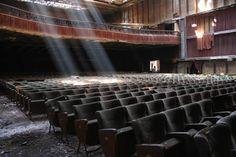 Teatro Massimo dopo l'incendio.