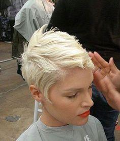 #Farbbberatung #Stilberatung #Farbenreich mit www.farben-reich.com Cute-Platinum-Blonde-Pixie-Hair.jpg 500×588 pixels