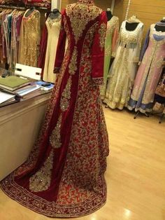 New Indian Bridal Dress Red Wedding Dressses Walima Ideas Indian Bridal Wear, Asian Bridal, Pakistani Wedding Dresses, Pakistani Outfits, Indian Dresses, Indian Outfits, Pakistani Couture, Red Wedding Dresses, Style Fête