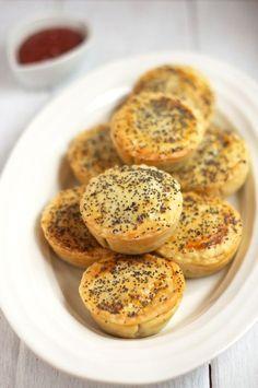 Little Aussie Meat Pies. Little Aussie Meat Pies Empanadas, Aussie Food, Australian Food, Australian Recipes, Australian Cookies, Australian Party, Australian Open, Crescent Rolls, Pavlova