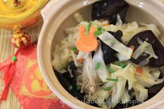 Eat Your Heart Out: Recipe: Cabbage with Wood Ear Fungus and Enoki Mushrooms (Vegetarian)