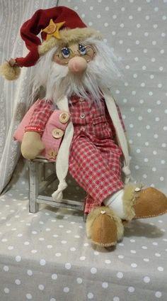 Christmas Fabric, Diy Christmas Ornaments, Fabric Dolls, Fabric Decor, Doll Patterns, Art Dolls, Snowman, Santa, Merry