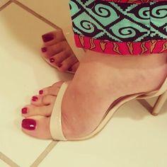 "Polubienia: 344, komentarze: 5 – Princess Ariel  (@sexyfootprincess) na Instagramie: ""#feetheat #feetfetishnation #feetporn #sexyfeet """