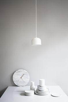 Marble Wall Clock – Tribute to Timekeeping | MenuDesignShop
