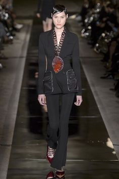 París Fashion Week: Givenchy Primavera-Verano 2017