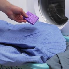 The best DIY projects & DIY ideas and tutorials: sewing, paper craft, DIY. Ideas About DIY Life Hacks & Crafts 2017 / 2018 Soften up your laundry AND save the environment with these reusable dryer sponges! Cleaners Homemade, Diy Cleaners, Household Cleaners, Cleaning Recipes, Cleaning Hacks, Cleaning A Dryer, Limpieza Natural, Laundry Hacks, Simple Life Hacks
