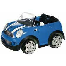 Kid Trax Mini Cooper Ride-On Car, Blue. To me this car toys look very cute. If you own a real mini cooper then this toys might just be the right one for your kids too. Toys R Us, Cat Bulldozer, Car Camper, Barbie, Power Wheels, Ride On Toys, Mini Cooper S, Childcare, Cool Cars
