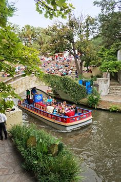 River Walk. San Antonio, Texas. Photo by Andy New.