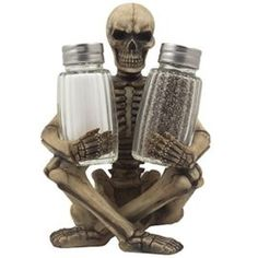 Scary Skeleton Glass Salt and Pepper Shaker Set with Decorative Spice Rack Display Stand Holder Figurine for Spooky Halloween Party Decorations and Skulls & Skeletons Kitchen Decor Table Centerpiece Sculptures As Medieval or Gothic Gifts - Awesome Skulls Halloween Kitchen, Halloween Table, Halloween Party Decor, Skull Decor, Skull Art, Halloween Skeletons, Spooky Halloween, Halloween Ideas, Salt And Pepper Holder