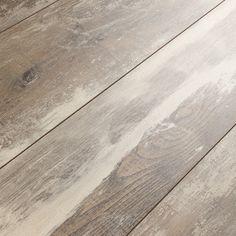 A stunning shabby chic and rustic laminate! Kronoswiss Swiss Solid Iceland Oak 12mm Laminate Flooring D4490NM #Rustic #ShabbyChic #Bestlaminate