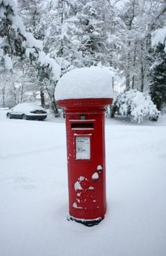 Gallery Snow in England: Carshalton: A pillar box stands covered in snow. I Love Snow, I Love Winter, Winter Snow, Winter Christmas, Christmas Post, Snowfall In London, London Snow, Snow Scenes, Winter Scenes