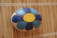 malovaný kámen - kytička