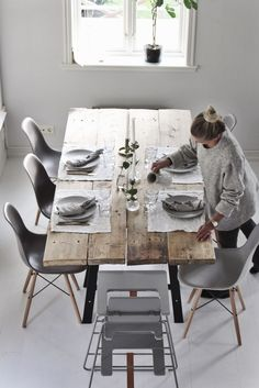 likes, 51 comments – Emily Slotte (Emily … – Table Ideas Diy Dining Room Table, Dining Room Windows, Kitchen Dinning, Cozy Kitchen, Dining Room Inspiration, Home Decor Inspiration, Esstisch Design, Home Living, Home Interior Design