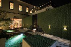 華燭の典に和の華を…  結婚式場のガーデンを個性豊かで華やかな空間にライティング! ワンランク上のトワイライトウェディングを演出します!  #LightingMeister #GardenLighting #OutdoorLighting #Exterior #Wedding #ウエディング #ジューンブライド #ガーデン #オリジナル #ライティング #庭照明 #華やか