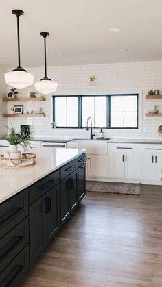 Kitchen Room Design, Modern Kitchen Design, Home Decor Kitchen, Interior Design Kitchen, White Kitchen Designs, Condo Kitchen, Family Kitchen, Beautiful Kitchen Designs, Beautiful Kitchens