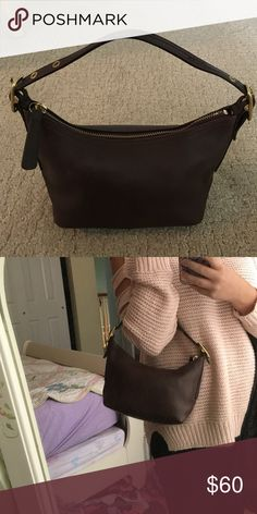 ⚡️⚡️ price drop!!!BROWN LEATHER COACH BAG ⚡️⚡️ 100% authentic chocolate brown leather coach bag! Perfect for just a phone, wallet and keys! Used handful of times and is in great condition! Some wear on corners but no leAther rips Coach Bags