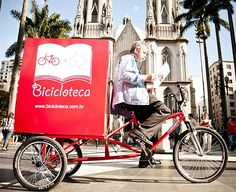 Sao Paulo Brazil: Mobile library on a bike, where homeless people can borrow books. Social inclusion through reading. Little Free Libraries, Little Library, Library Card, Library Books, Free Library, Library Ideas, Mobile Library, Forever Book, Book Writer