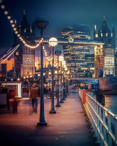 "londongramer:  ""#London nights with @levanterman  || #thisislondon http://ift.tt/2uHxtD2  """