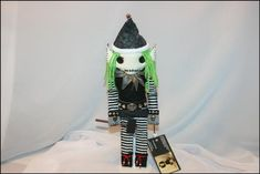www.tatteredrags.etsy.com Yarn Thread, Creepy Art, New Dolls, Christmas Elf, Vintage Buttons, Halloween Gifts, Plushies, Elves, Hand Stitching