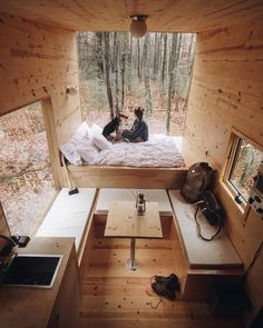 How To Build A Tiny House Want your own tiny house? These 12 free tiny house plans may just help make your dream of owning a tiny house a reality. Building it yourself will save you money and ensure that you're getting a high-quality home. Building A Tiny House, Tiny House Cabin, Tiny House Living, Tiny House Plans, Tiny House Design, Tiny Houses, Tiny Cabins, Tiny House Bedroom, Build House