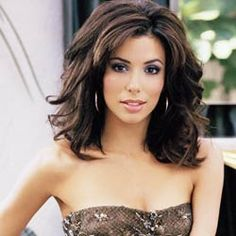 I fell in love with this actress while watching Desperate Housewives!  She's a stunner!  Funny too!