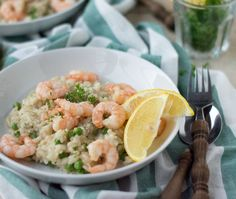 Risotto with shrimps. Delicious creamy risotto with shrimp (in Dutch) Fish Recipes, Seafood Recipes, Dinner Recipes, Healthy Recipes, Good Food, Yummy Food, Keto Dessert Easy, Grain Foods, Pasta Salad