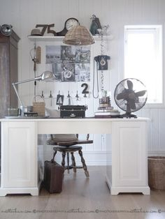 I heart this office...vintage, transitional, chic