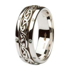 Celtic Wedding Ring - Celtic knotwork Diamond Wedding Ring. Love this!