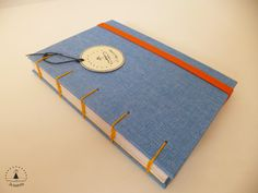 Caderno artesanal. Capa revestida em jeans.