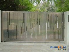 We are a leading Manufacturer of main entrance stainless steel gate, stainless steel main gate, swing stainless steel gate, designer stainless steel gate. Steel Gate Design, Front Gate Design, House Gate Design, Main Gate Design, Entry Way Design, Sliding Door Design, Sliding Gate, Green Front Doors, Glass Front Door