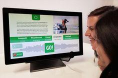 Interaktives Exponat / Hands-On Vogelkaraoke - Tierlaute nachmachen. Konzipiert und realisiert von Impuls-Design.