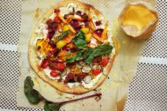 Everything Garden Pizza Garden Pizza, Bruschetta, Granola, Vegetable Pizza, Vegetables, Ethnic Recipes, Food, Meal, Muesli