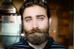 #Mondmasker is broeihaard voor #eczeem en jeuk   Beautybizz Beard Status, Argan Oil For Beard, Trimming Your Beard, Beard Wax, Beard Straightening, Thick Beard, Mustache Styles, Beard Styles