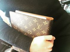 Louis Vuitton Agenda, Louis Vuitton Monogram, Agenda Planner, Home Management Binder, Simple Style, Planners, Purses And Bags, Journals, What To Wear